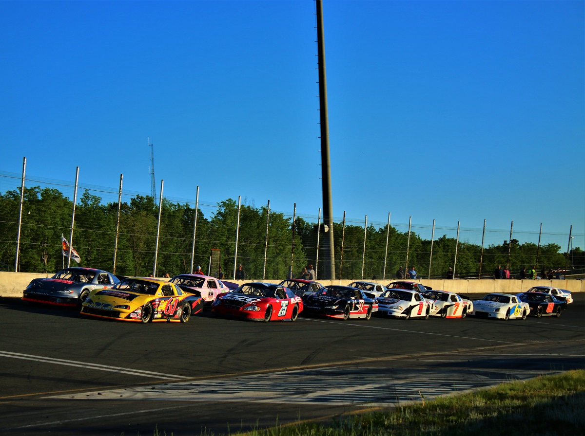 the field gets into formation for the first series green flag in nearly 19 months